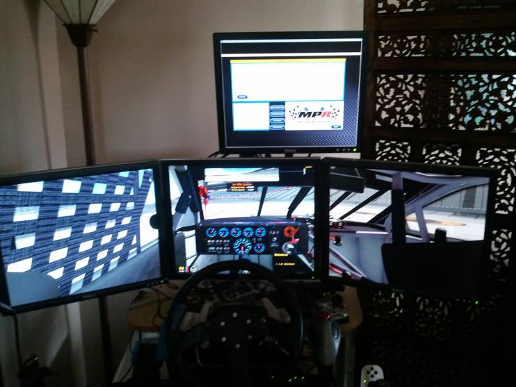 3+1 Monitors on an Obutto Sim Racing Rig